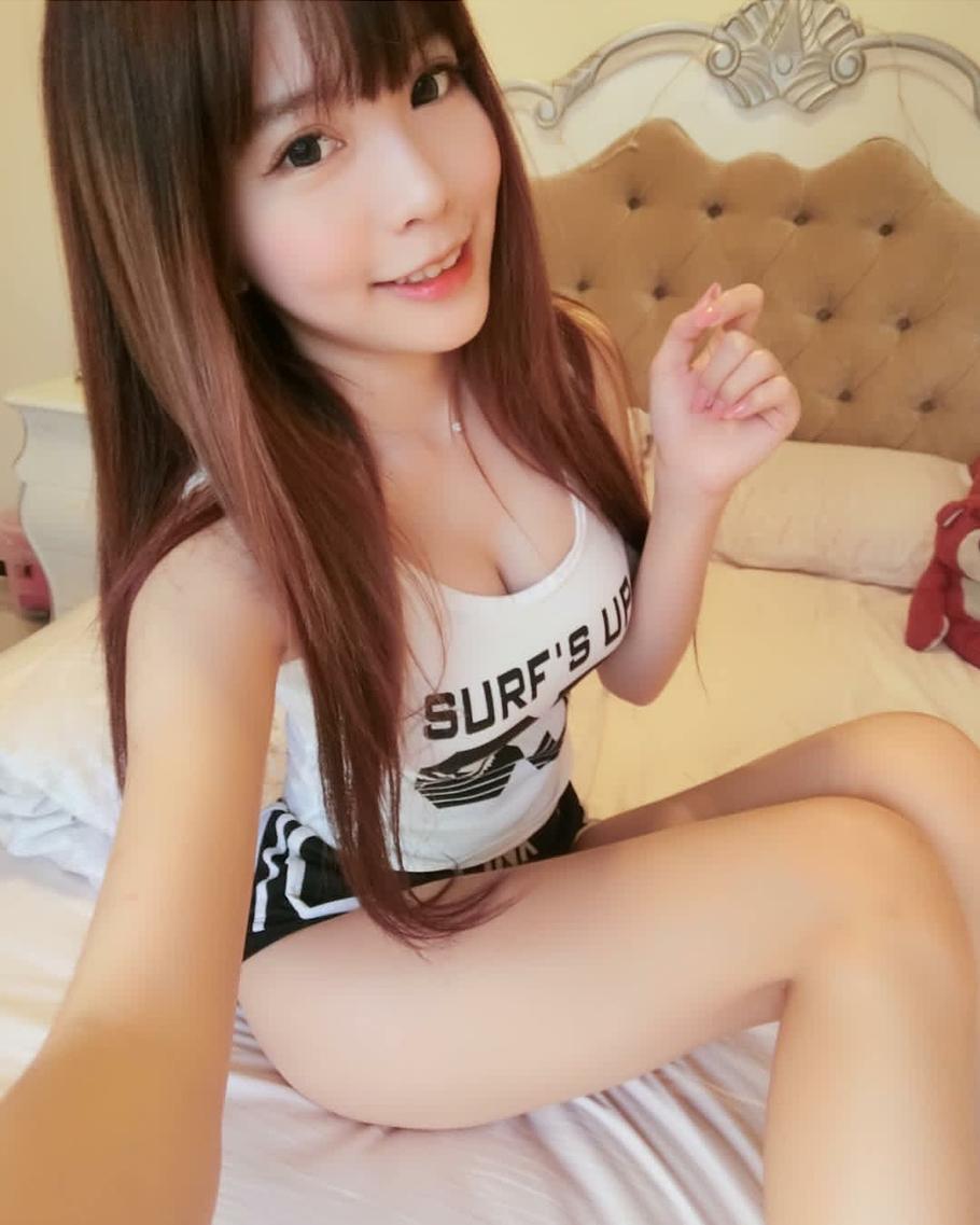 Teen girls Hong Kong