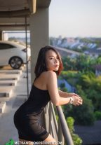 A Beautiful Tanned Babe Escort Thiya Full Enjoyment Together Bangkok