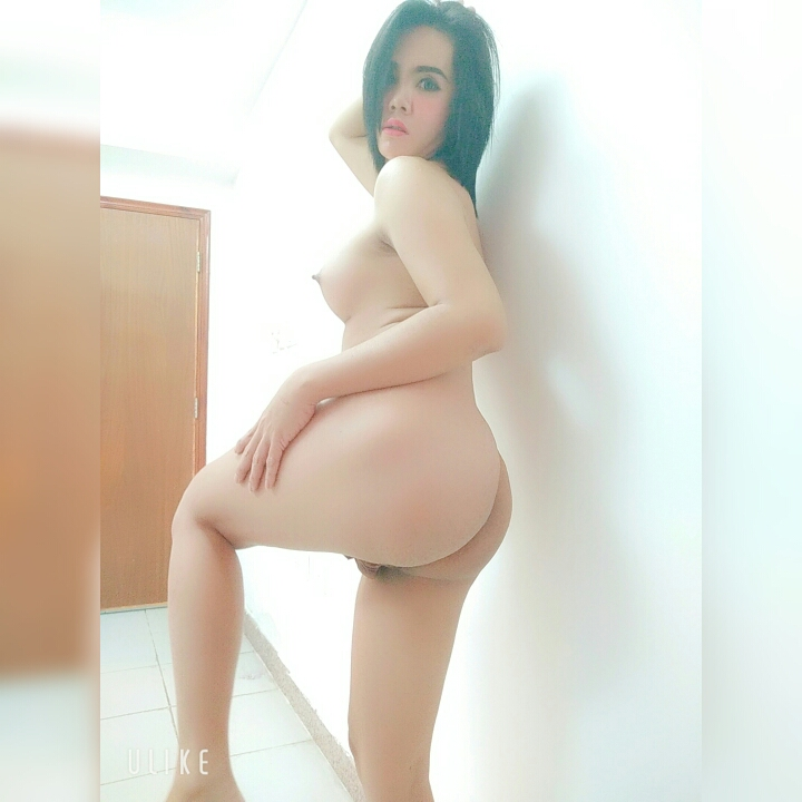 Asexy naked asian girls